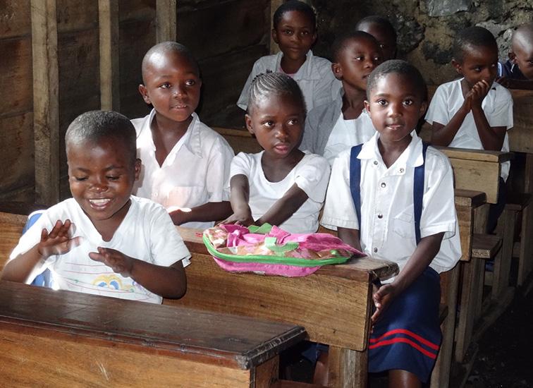 Éducation des jeunes en zones de post-conflit