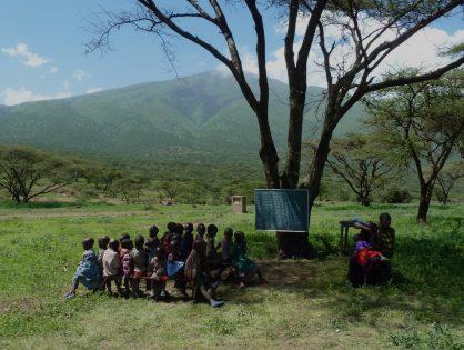 60. Jardins et cantines scolaires dans 4 écoles Massaï
