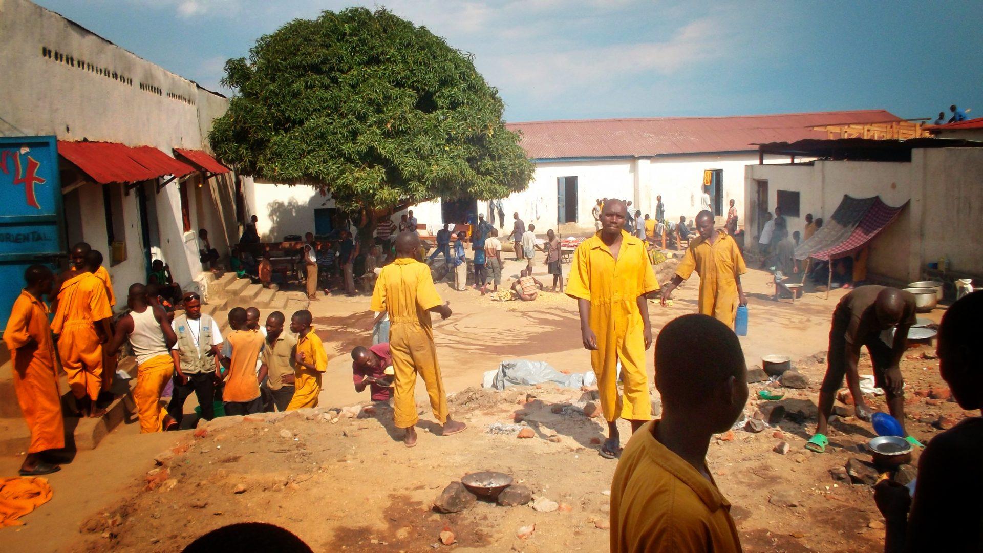L'école derrière les barreaux